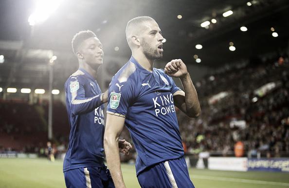 Slimani marcou duas vezes na vitória do Leicester sobre o (Foto: Plumb Images/Leicester City FC via Getty Images)