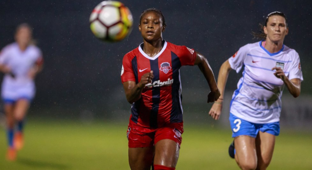 Taylor Smith filled in as a forward in this match after playing defense during her NWSL career. | Photo: @WashSpirit via isiphotos.com