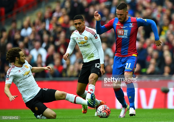 Blind and Smalling haven't played together since last season's FA Cup Final | Photo: Shaun Botterill/ Getty Images