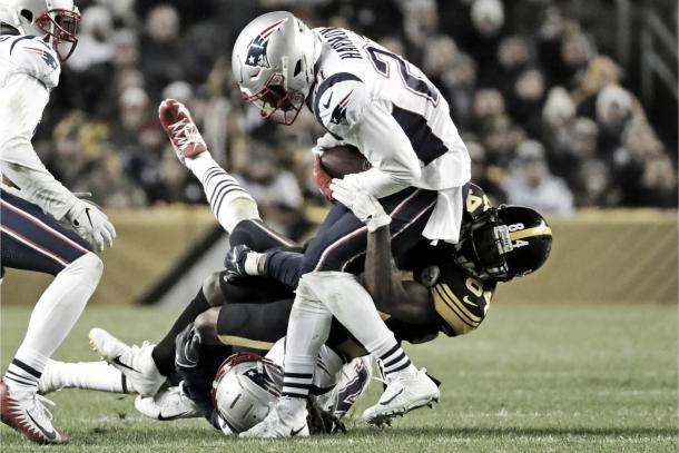 Duron Harmon brilló con 2 INTs | Foto: Patriots.com