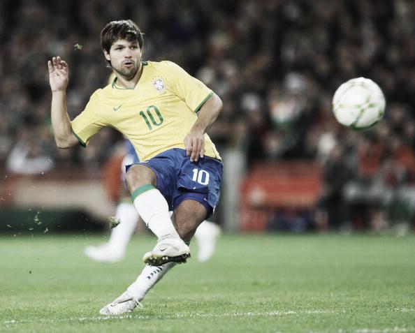 Diego já defendeu a Seleção Brasileira no passado (Foto: Laurence Griffiths/Getty Images)