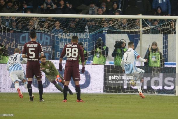 Momento en el que el Torino recibía el empate a 2 frente a la SPAL / Foto: gettyimages