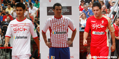 Equipaciones de la temporada 2011/2012. La segunda, vestida por Miguel de las Cuevas ha desatado mucha polémica // Imagen: RSG