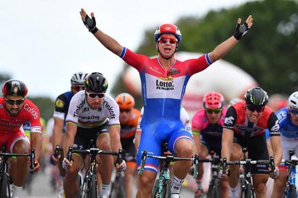 Dylan Groenewegen ganando en el Eneco Tour | Fuente: Tim de Waele/TDWsport.com