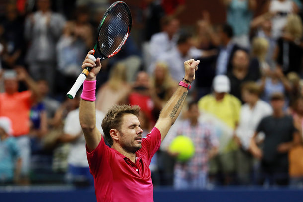 Wawrinka celebrates victory (Photo by Michael Reaves/Getty Images)