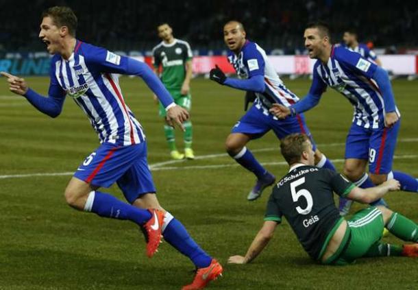 Niklas Stark, far left after scoring versus Schalke 04, had given Hertha the lead (Source: goal.com)
