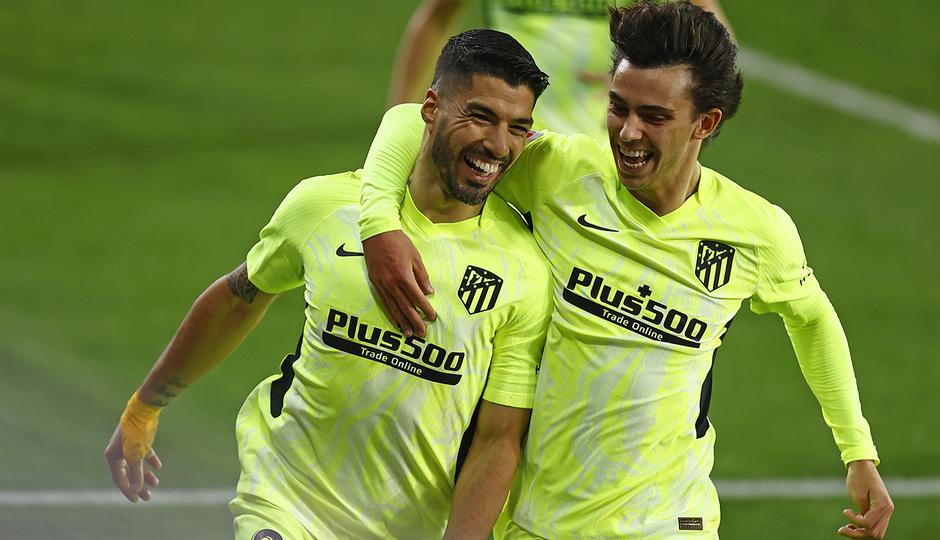 Luis Suárez y João Félix celebrando el segundo gol del uruguayo contra el Eibar. / Fuente: Atlético de Madrid