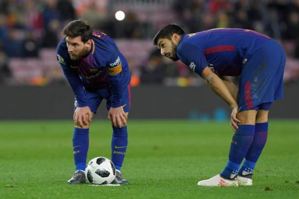 Dupla Messi-Suárez vem sendo funcional e primorosa na temporada | Foto: Lluis Gene/Getty Images