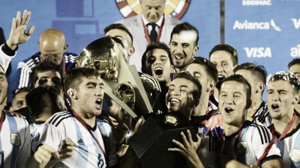 Campeones en el Sudamericano. (Foto: Infobae)
