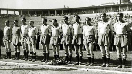 Seleção Sueca no estádio do Pacaembu ( divulgação/FIFA)