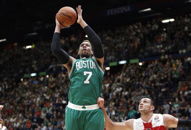 Jared Sullinger bodying his way to put up a shot. Photo: Associated Press