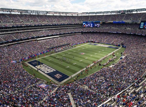 O estádio personalizado em dia de jogo do New York Giants (Foto: Getty Images)