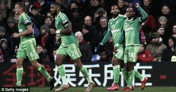 Defoe and Sunderland celebrate after Defoe's winning goal against Crystal Palace.