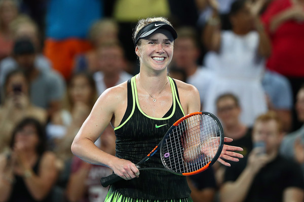 Svitolina smiles and applauds the crowd following her three set victory over Kerber (Photo by Chris Hyde / Getty Images)