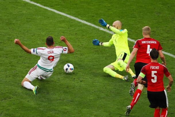Szalai realizza col tocco di destro l'1-0. (fonte immagine: Twitter @UEFAEURO)