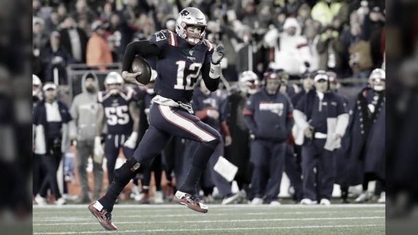 Tom Brady, con sus 42 años, está llegando al ocaso de su carrera (foto Patriots.com)