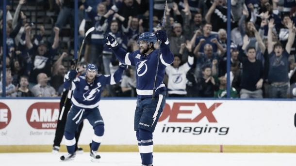 La sonrisa vuelve al rostro de los Bolts | Foto: NHL.com
