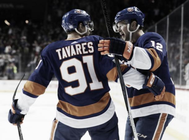 Tavares en la celebración de un gol | ca.sports.yahoo.com