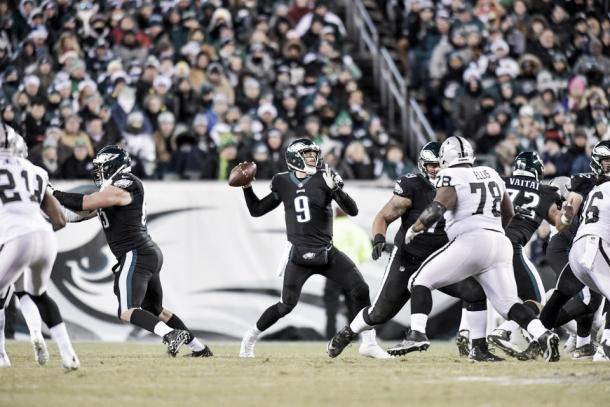 Nick Foles tuvo una pobre actuación en la Week 16 | Foto: PhiladelphiaEagles.com