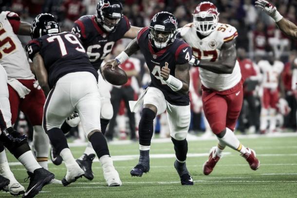 Houston con el QB rookie al mando, tuvo un récord de 3-4, plantando cara a equipazos de la NFL | Foto: Houston Texans