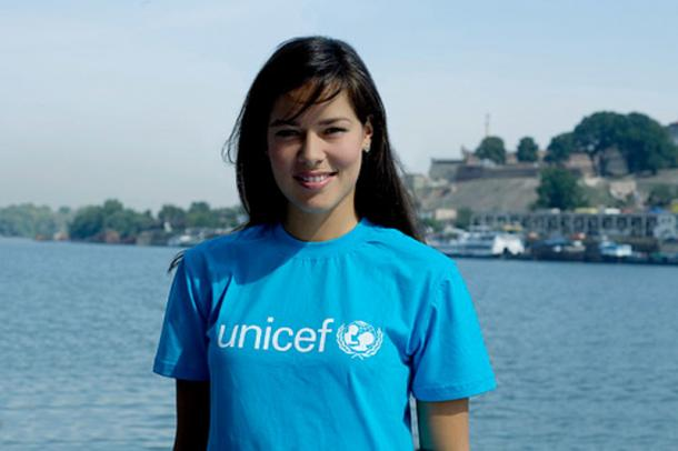 Ana Ivanovic en 2007 con UNICEF (Foto: shoubiz.guru)