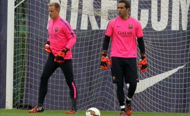 ter Stegen (far left) and Bravo in training, earlier in the campaign | Photo: www.sport.es