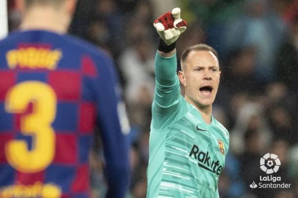 Ter Stegen dando instrucciones en un partido con el Barça| Fuente: LaLiga