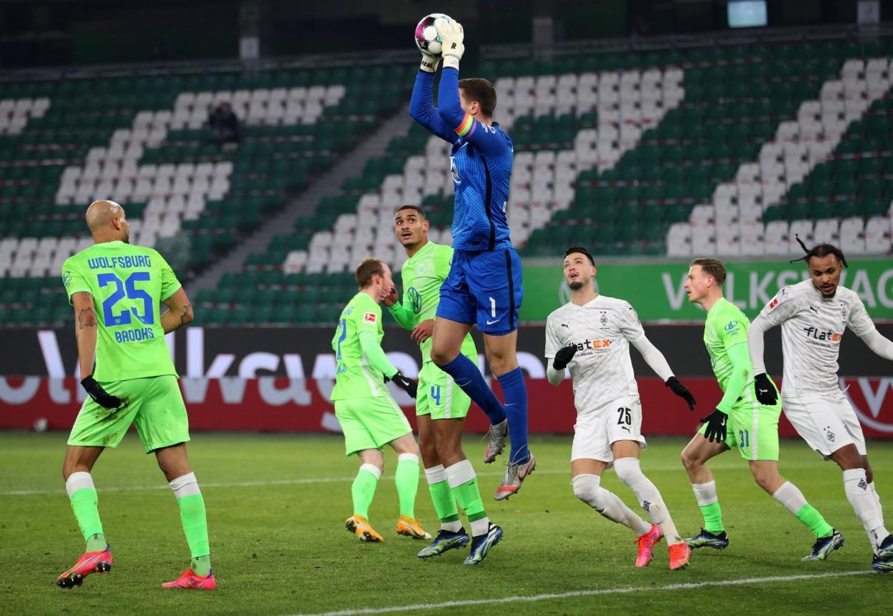VfL Wolfsburg llega a 5 partidos consecutivos sin recibir goles por Bundesliga (486') y 6 contando todas las competencias (576') | Foto: @VfL_Wolfsburg