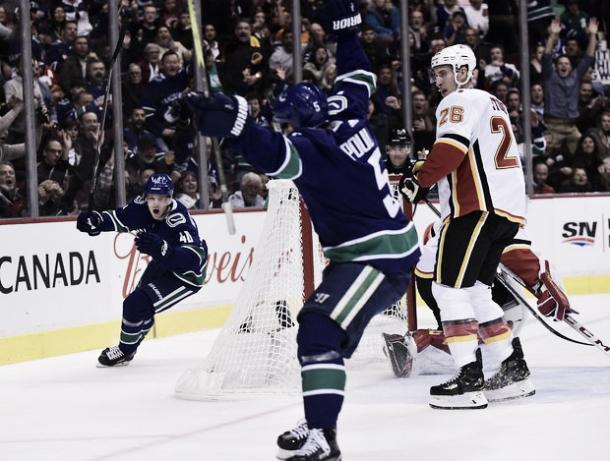 Con el tanto de Petterson se estalló la locura en el Rogers Arena | Foto: theglobeandmail.com