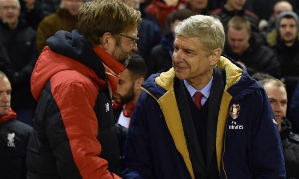 Klopp y Wenger se saludan antes del encuentro. | Foto: Liverpool