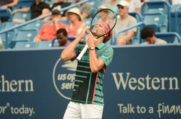 It was a frustrating day at the office for younger Zverev (Image source: Noel Alberto/VAVEL USA)