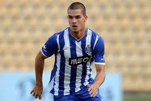 Para Veloso, a jovem pérola do Porto é uma das principais ausências dos convocados // Foto: FC Porto