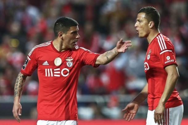 Maxi Pereira sempre foi escolha assídua no Benfica // Foto: maisfutebol.iol.pt