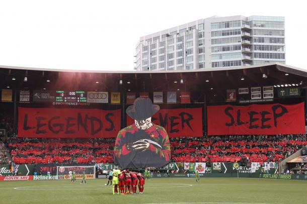 Tifo de la Timbers Army en un partido ante los Seattle Sounders // Imagen: dirtytackle.com