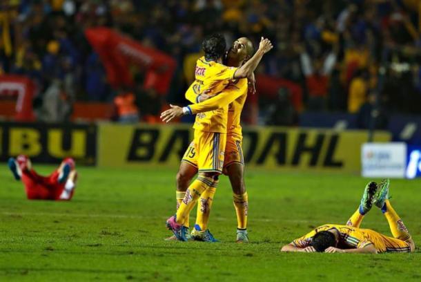 Tigres celebrando la clasificación a la Final Apertura 2014 | Foto: El Universal