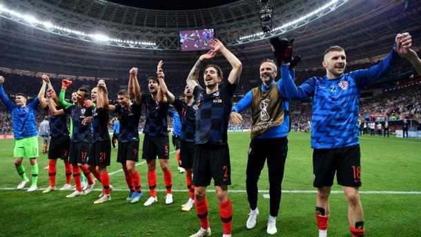 Jogadores croatas classificam classificação ao fim da partida contra Inglaterra. Foto: FIFA/Getty Images