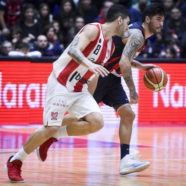 González vs Aguirre, uno de los duelos más picantes. Fotos: Marcelo Endelli / La LIga