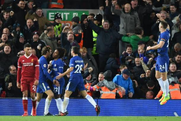 Willian comemora importante gol | Foto: Paul Ellis/AFP/Getty Images