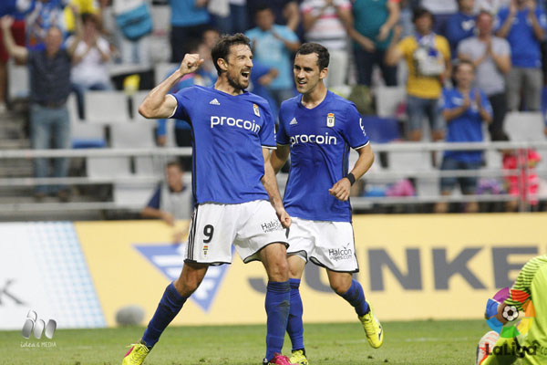 Dos de los principales culpables del éxito de la delantera carbayona: Toché y Linares. | Imagen: LaLiga