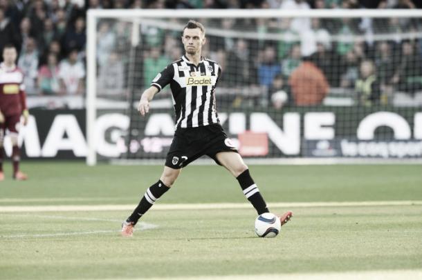 Thomas, jugador del Angers SCO, en un partido durante esta temporada // Foto: Angers SCO