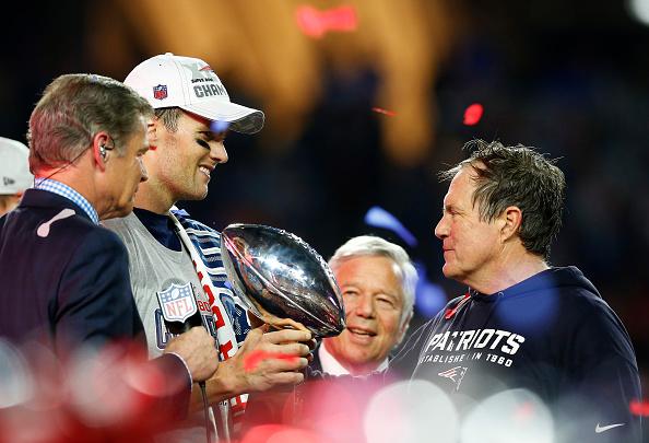 Bill e Brady querem repetir 2014/15 e voltarem a vencer o Super Bowl   Foto: Tom Pennington/Getty