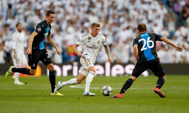 Toni Kroos frente al Brujas / Fuente: Real Madrid Web Oficial