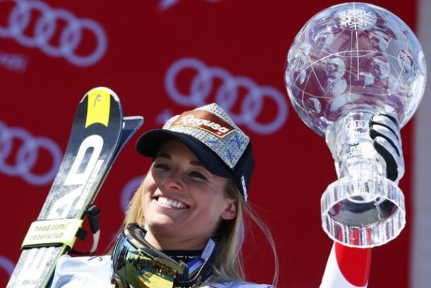 Lara Gut with her Big Crystal Globe. (Photo: Keystone)