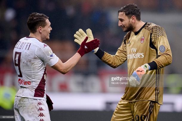 Saludo entre Belotti y Donnarumma tras el partido de Coppa de Italia / Foto: gettyimages
