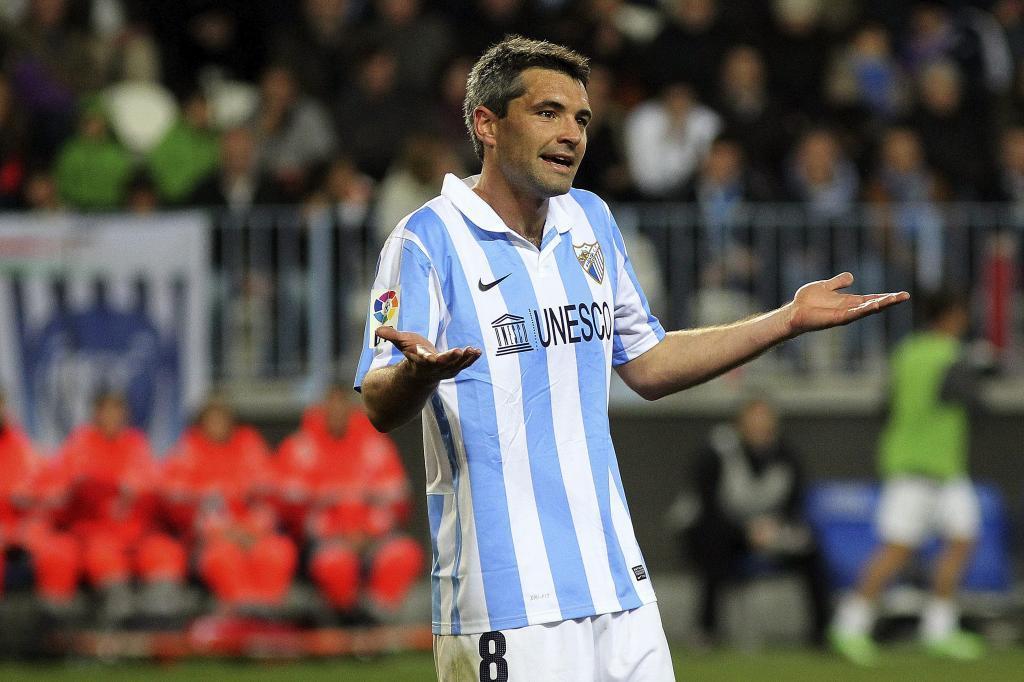 Toulalan con la camiseta del Málaga CF / Foto: Málaga CF