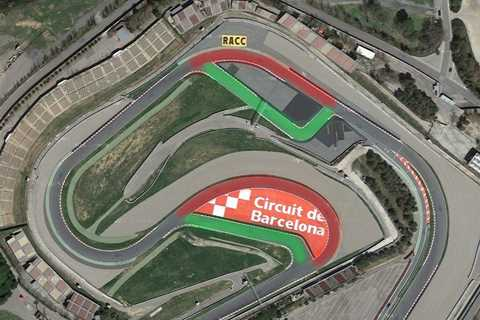 The 'old' turn twelve highlighted in red, the new route in green - www.motorcyclenews.com