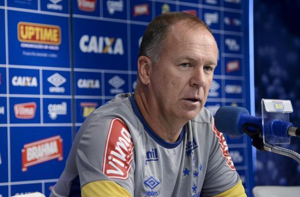 Mano irá definir parceiro de Bruno Rodrigo na zaga, neste sábado (Foto: Washington Alves/Light Press)