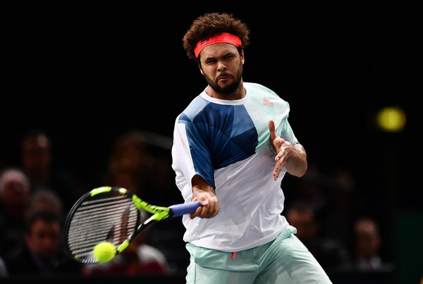 Tsonga competing in his third round match with Kei Nishikori (Photo by Dan Mullan / Getty Images)