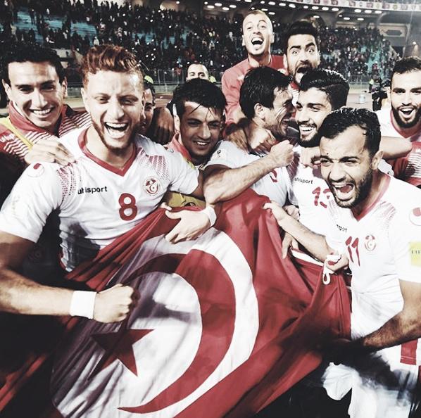 Seleção tunisiana comemora classificação para a Copa de 2018/ Reprodução FIFA