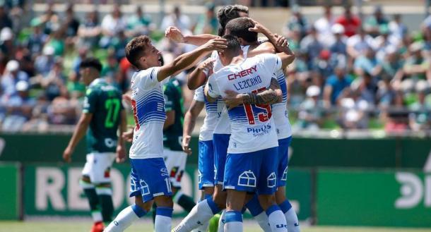 La Universidad Católica celebrando un gol ante el Santiago Wanderers / Photo: Depor